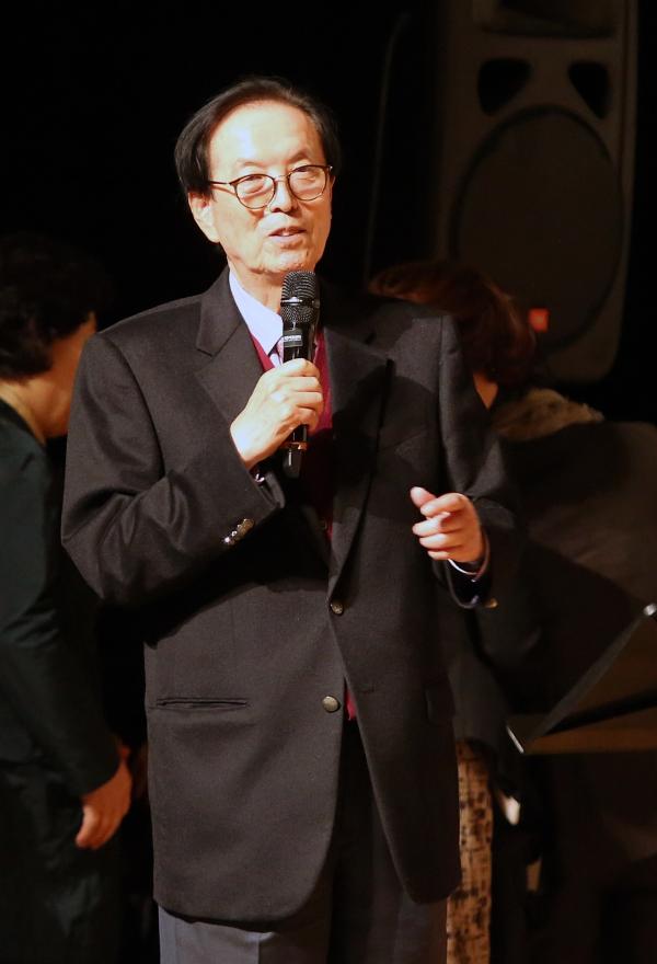 1일 서울 마포구 마포아트센터 대공연장에서 일성여자중고등학교 제17회 영어말하기대회가 열려 이선재 교장선생님이 인사말을 하고 있다.