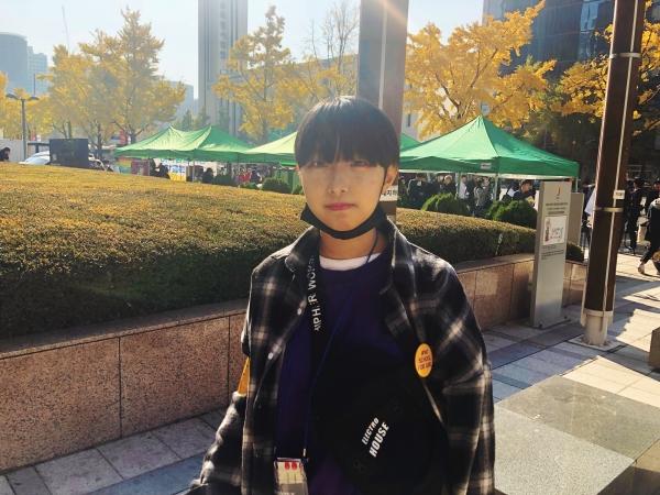 '여학생을 위한 학교는 없다'  주최측 참가자 이소현(17, 예일여고)