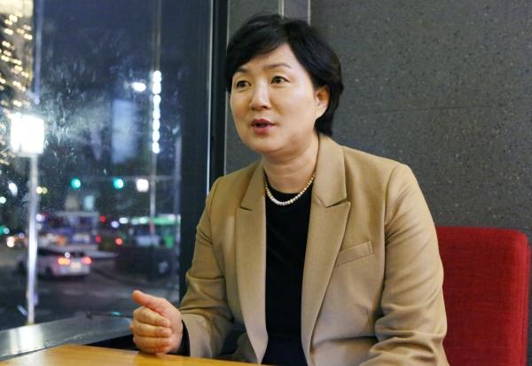 남정숙 전 성균관대 교수가 9일 서울 종로구 혜화동의 한 카페에서 여성신문과 인터뷰를 하고 있다.