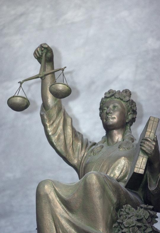 대법원 입구에 서있는 정의의 여신상.sumatriptan patch sumatriptan patch sumatriptan patch ⓒ이정실 여성신문 사진기자