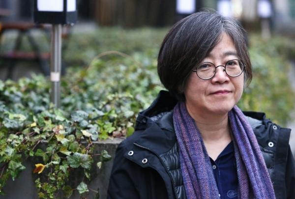 3일 서울 강남구 압구정동의 한 카페에서 이숙경 감독을 만났다.