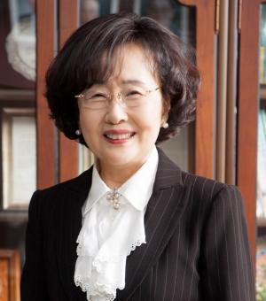 김명자 전 환경부 장관(현 한국과학기술단체총연합회 회장)