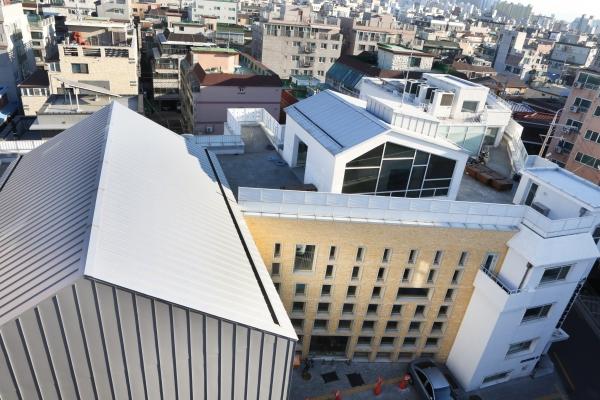 위에서 내려다 본 서울 은평구 구립 구산동도서관마을 모습 ⓒ이정실 여성신문 사진기자
