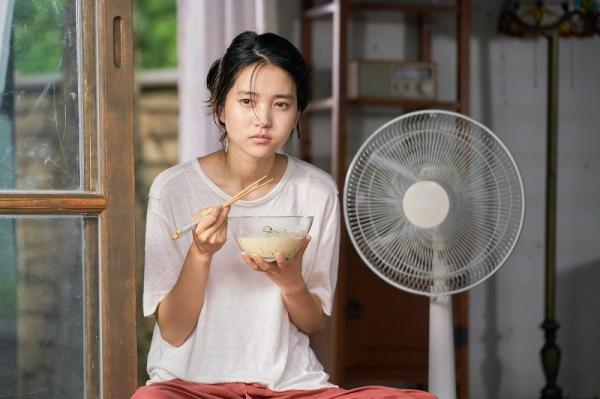 '리틀 포레스트'의 주연 배우 김태리