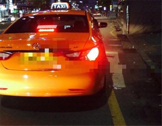 택시 승차거부 삼진아웃제가 도입됐으나 심야에 서울 도심에서 택시를 잡는 일은 하늘의 별따기다. ⓒ이지현