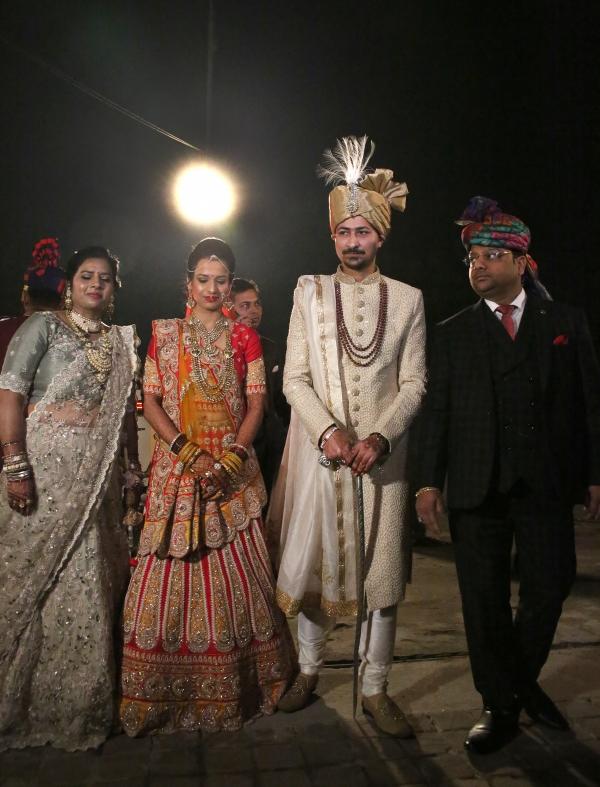 결혼식장으로 향하는 신부·신랑과 가족들 ⓒ김경호