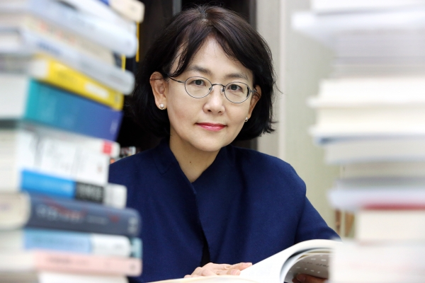 신경아 제35대 한국여성학회 신임회장