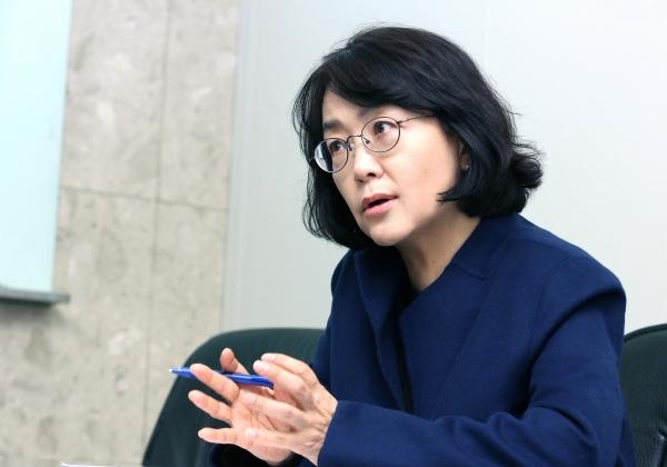 신경아 제35대 한국여성학회 신임 회장 ⓒ이정실 여성신문 사진기자