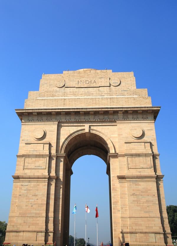 인도문-높이가 무려 42m에 달하는 석조기념물로 전쟁에서 사망한 인도 병사85, 000명의 명단이 새겨져있으며 인도인들의 데이트코스와 산책로로 많이 이용 되고 있다. ⓒ김경호