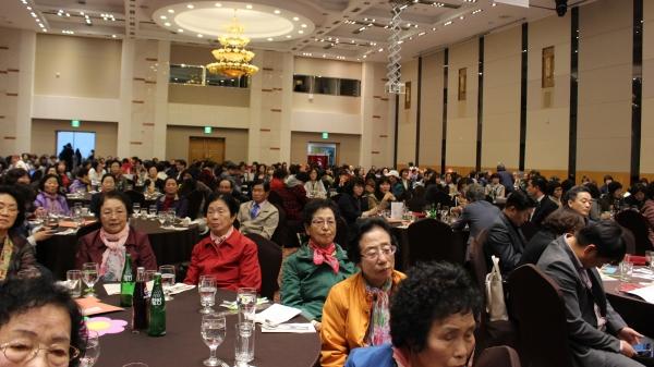 이날 기념식에서는 지역주민과 봉사자 후원자, 대한불교조계종 사회복지재단 관계자 등 500여명이 참석, 20주년을 축하했다. ⓒ권은주 기자