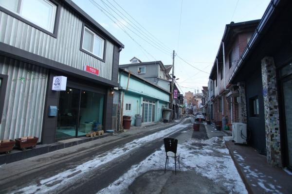 고한읍 18번가 마을의 2018년 1월 모습, 곳곳에 옛날 집들이 남아 있다. ⓒ18번가마을발전위원회