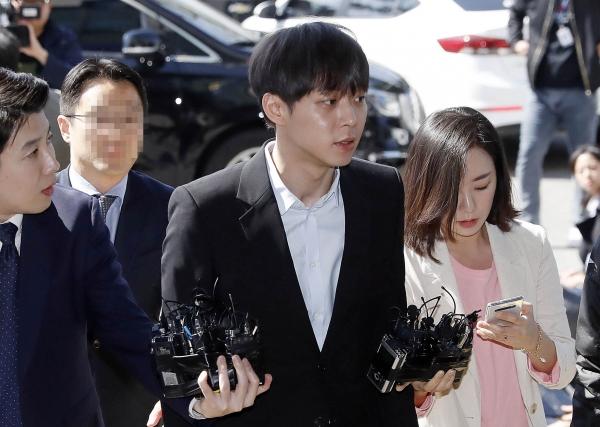경찰이 마약 투약 혐의를 받고 있는 가수 겸 배우 박유천(33)씨에 대한 구속영장을 23일 신청했다. ⓒ뉴시스·여성신문