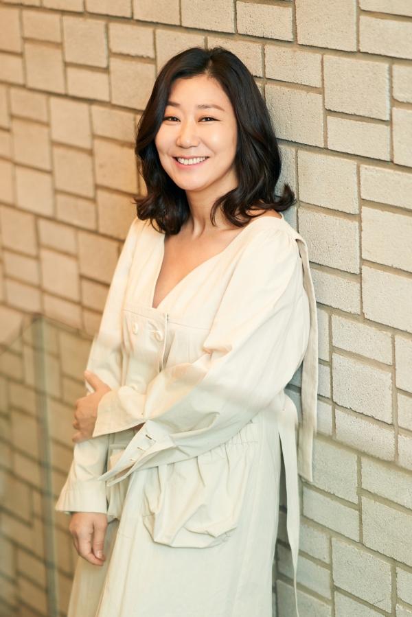 """44살에 첫 영화 주연을 맡은 라미란은 """"책임감을 많이 느낀다""""고 했다. ⓒCJ엔터테인먼트"""