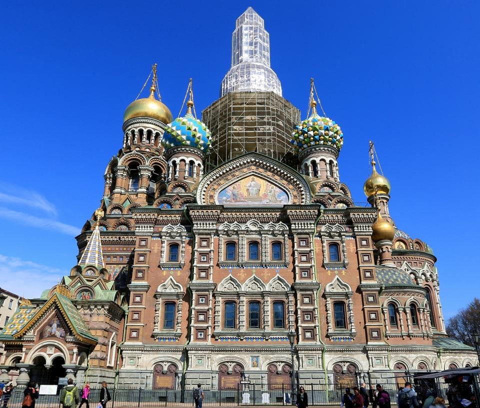 """상트페테르브르그에 있는  그리스도 부활성당. 알렉산더2세가 피를 흘리며 죽은곳이기때문에 """"피의사원""""이라고 부른다 ⓒ김경호"""