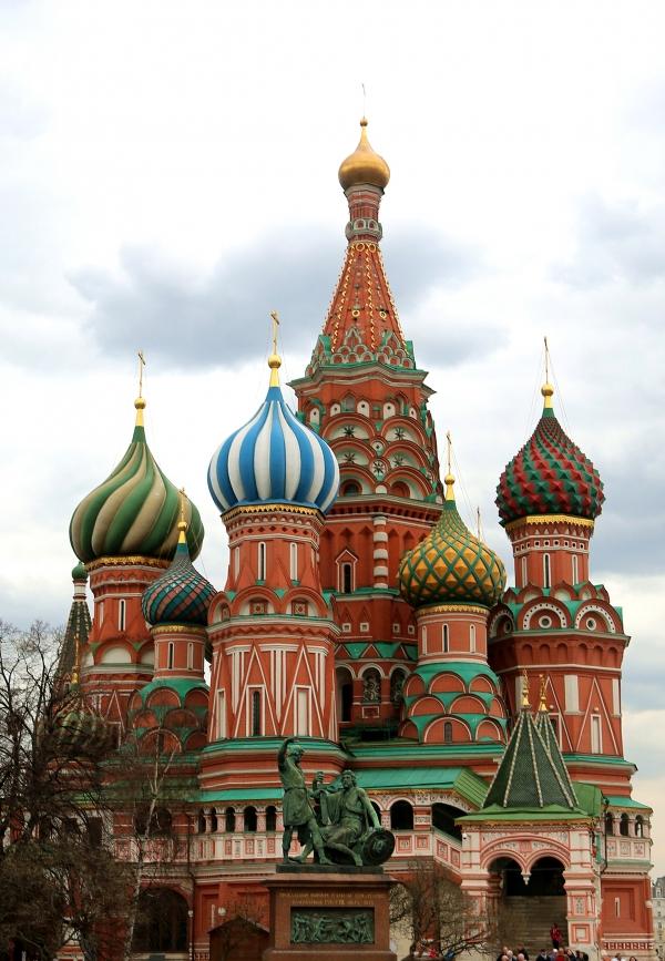 성 바실리 대성당. 크렘린궁전 굼백화점과 함께 모스크바 붉은광장에 있는 러시아에서 가장 유명한 성당이다. ⓒ김경호