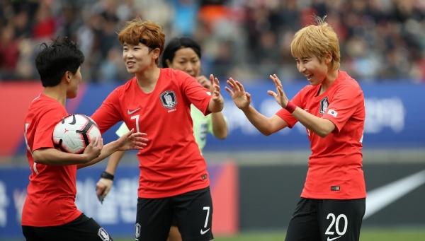 여자축구 국가대표팀. ⓒ뉴시스·여성신문