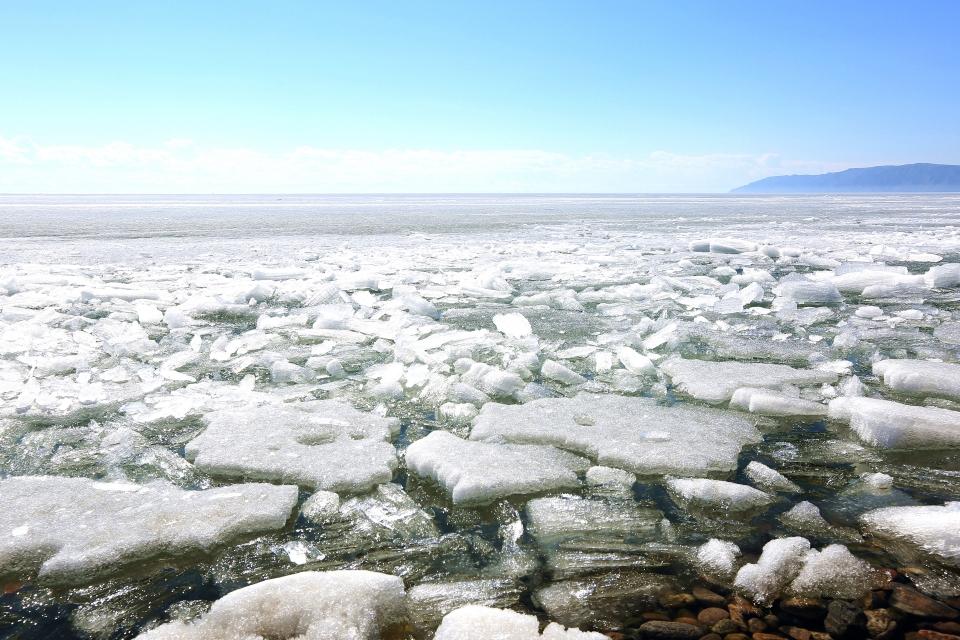 5월에도 얼음이 녹지 않은 바이칼호수 ⓒ김경호