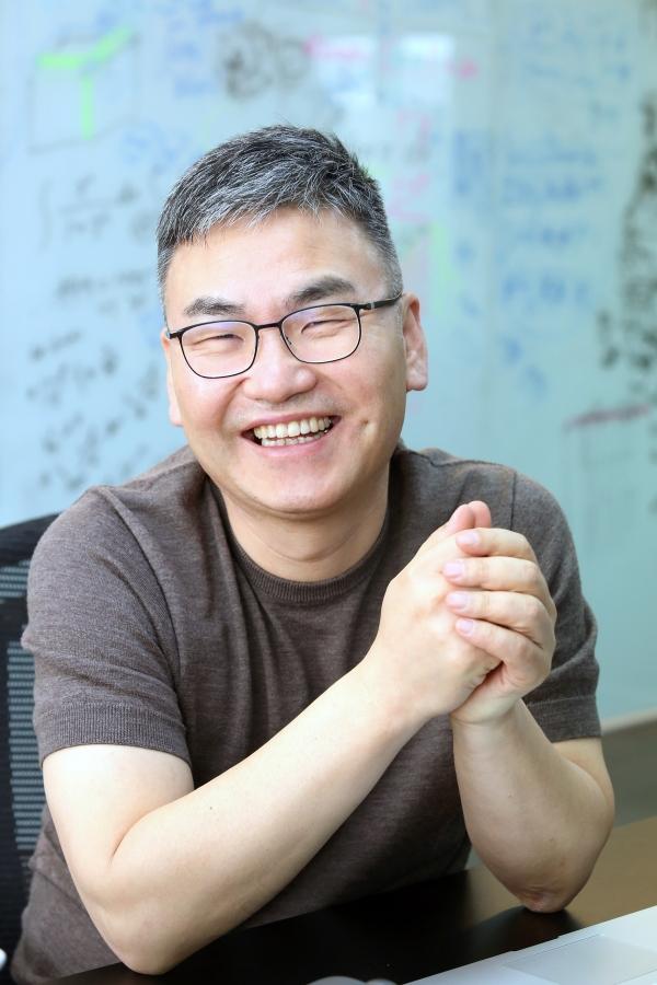 인공지능 접목 교육 플랫폼인 이쿠얼키의 조봉한 CEO ⓒ이정실 여성신문 사진기자