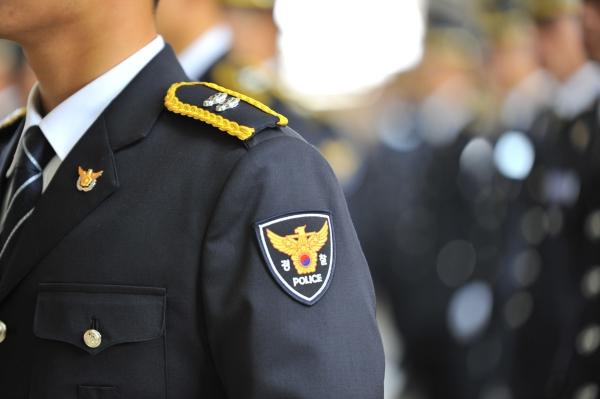 여성의 경찰직 진출을 막았던 성차별적 성별 분리 모집 관행이 폐지된다. 최근 3년간 여성 경찰 채용 경쟁률은 남성 경찰보다 평균 2.7배 더 높지만, 경찰 조직 내 여성 비율은 10.8%(9월 기준)에 불과하다. ⓒ여성신문 DB