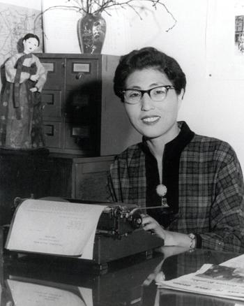 이희호는 1959년 1월부터 YWCA연합회 초대 총무를 맡았다. 1962년 5월 김대중과 결혼한 뒤에도 4년간 적극적으로 활동했다. ⓒ김대중평화센터