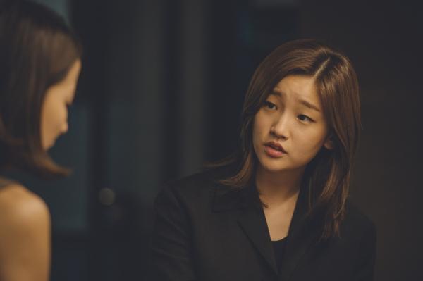 영화 '기생충' 속 기택과 충숙의 딸 기정(박소담 분).