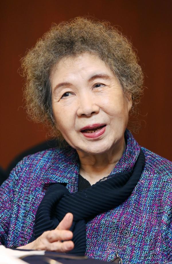 김남조 원로시인‧숙명여자대학교 명예교수