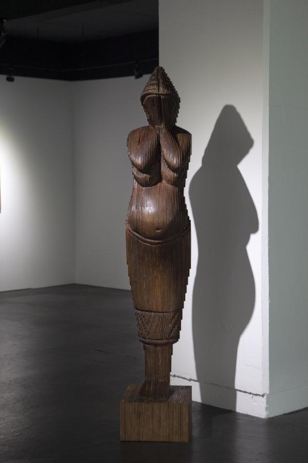 """조각상 '마고'. 황예지 작가는 이 조각상에 대해 """"전시의 숭고한 축이자 가장 강력한 세션""""이라고 했다. ⓒ작가 제공"""