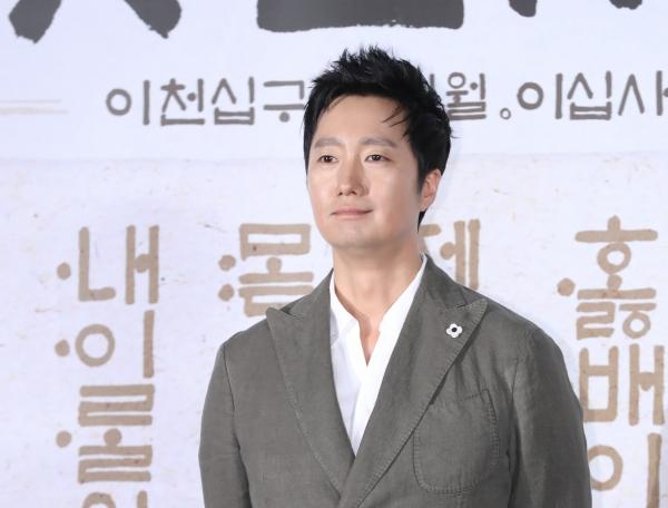 영화 '나랏말싸이'에 출연한 배우 박해일. ⓒ뉴시스·여성신문