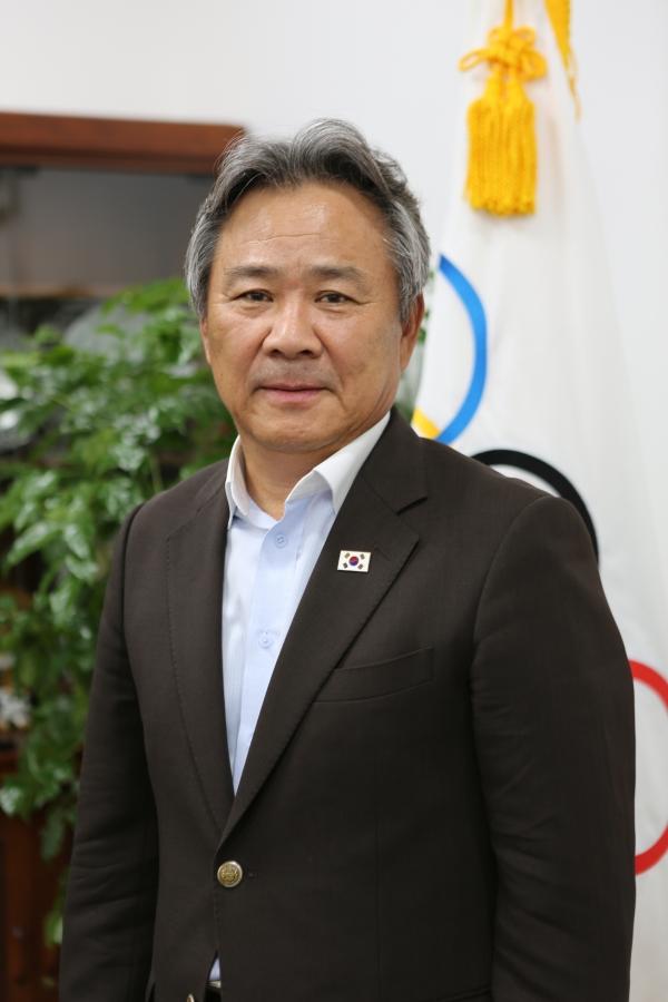 한국의 역대 11번째 국제올림픽위원회(IOC) 위원으로 선출된 이기흥 대한체육회 회장. ⓒ여성신문