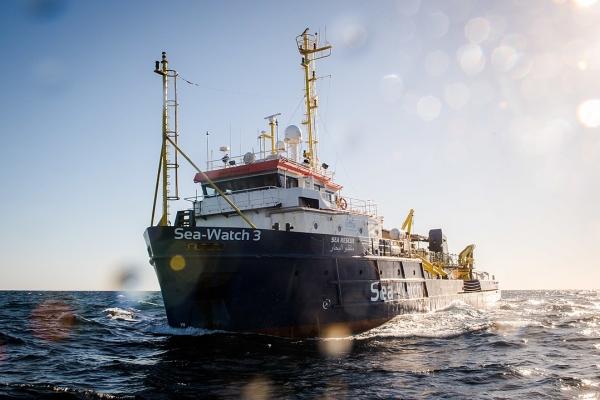 구조선 '시워치 3' ©Chris Grodotzki / Sea-Watch.org