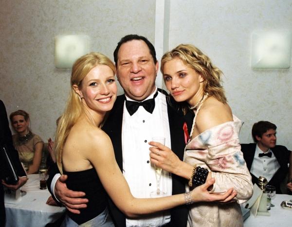 미국 할리우드 최고의 제작자로 명성을 날린 하비 와인스타인(왼쪽에서 두 번째)은 여성들을 상대로 성범죄를 일으켰다. ⓒ스톰픽쳐스코리아