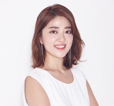 이지혜'텐아시아', '맥스무비' 등 매체에서 기자로 일하며 대중문화에 대한 글을 썼다. '뜨거운 사이다', '무비스토커' 등의 방송과 지면을 통해 여성과 영화에 대해 말하고 쓰고 있다.
