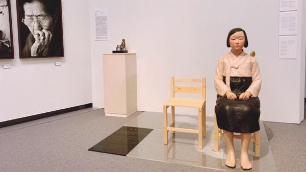 일본 '아이치 트리엔날레 2019'의 기획전 '표현의 부자유전· 그 후'에 출품됐다가 전시가 중단된 김운성 김서경 작가의 '평화의 소녀상'. © 김운성·김서경 작가 제공