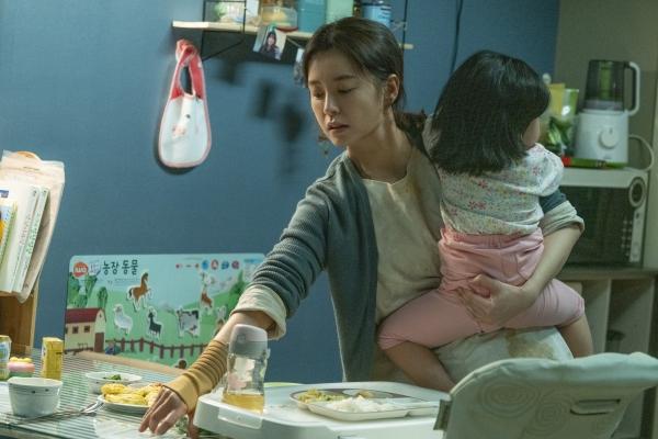 개봉을 앞두고 있는 영화 '82년생 김지영' 관련 기사에는 상당한 악플이 달린다. 지난달 말에는 관객들이 고의로 평점을 주지 않는 '평점 테러'를 일으키기도 했다. ⓒ롯데엔터테인먼트