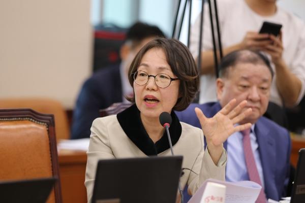 국회 행정안전위원회 소속 권미혁 더불어민주당 의원. ©권미혁 의원실