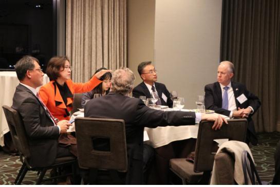 미국 동남부상공회의소에서 투자유치설명회를 개최했다. 왼쪽부터 김영준 애틀랜타총영사, 이인선청장, 외 조지아 주 기업관계자 ⓒ대구경북경제자유구역청