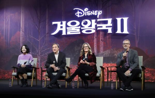 이현민 슈퍼바이저, 피터 델 베초 프로듀서, 제니퍼 리 감독, 크리스 벅 감독(왼쪽부터)이 25일 오전 서울 종로구 포시즌스호텔에서 열린 애니매이션 영화 '겨울왕국 2' 내한 기자간담회에 참석했다. ⓒ뉴시스