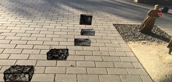 일본군 위안부 피해자 기림비 앞에 '앉음돌' 설치. ⓒ서울시
