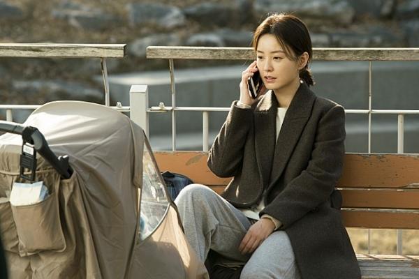 영화 '82년생 김지영'의 한 장면. ⓒ롯데엔터테인먼트