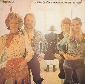 스웨덴 그룹 아바(ABBA)가 1974년 발표한 앨범 '워터루'(Waterloo) 앨범 표지. 앨범 타이틀 곡인 워터루가 유로비젼 송 콘테스트에서 1위를 차지하며 아바는 전 세계적인 인기를 누리게 됐다.