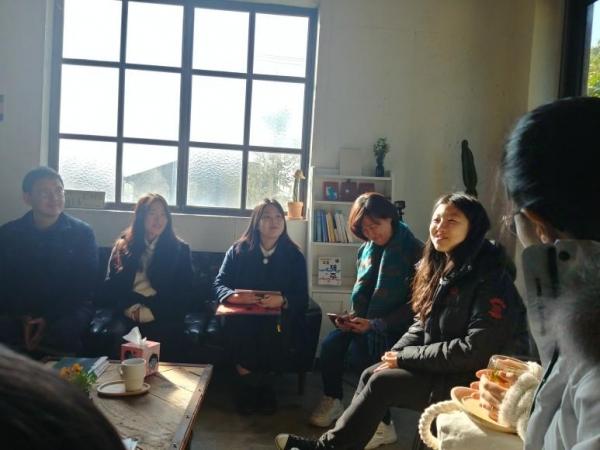지난 1월 5일 제주 표선 북살롱 아미고에서 청소년기후행동 활동가들과 제주 기후위기 대응에 관심있는 사람들이 좌담회를 진행했다.