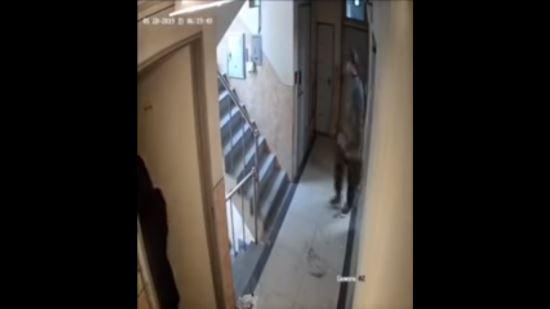 '신림동 주거침입 강간미수 사건' 피해자가 공론화한 범행 CCTV 화면.