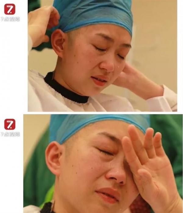 중국 간쑤성의 한 간호사가 삭발을 하며 눈물을 흘리고 있다. 위챗 화면 중 일부.