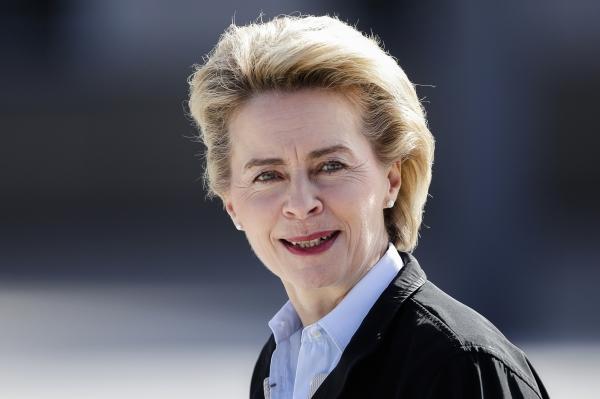 유럽연합(EU) 차기 집행위원장으로 2일(현지시간) 우르줄라 폰데어라이엔 독일 국방장관이 내정됐다. ⓒAP/뉴시스.여성신문