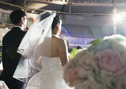 혼인신고 시 부부가 직접 출석하는 것을 골자로 한 가족관계등록법 개정이 추진된다. ⓒ여성신문