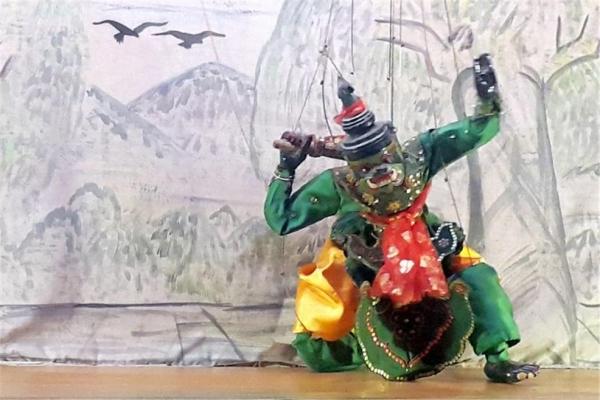 오거라는 이름의 미얀마 도깨비 인형. ©조용경