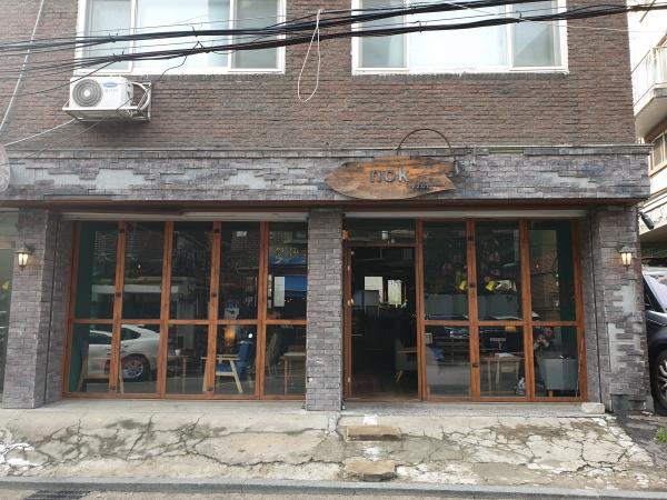 상수동 카페 골목에 위치한 카페 녹(nok)은 상수동 젠트리피케이션이 발생한 이후 처음으로 명도소송을 진행 중이다. ⓒ여성신문