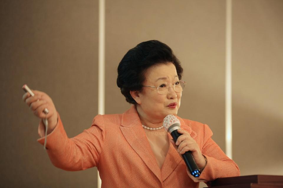 18일 오전 서울 서초구 더리버사이드호텔에서 (사)여성문화네트워크가 주최한 'WIN 문화포럼'에서 발언중인 이용배 전 이화여대 총장. ⓒ홍수형 기자