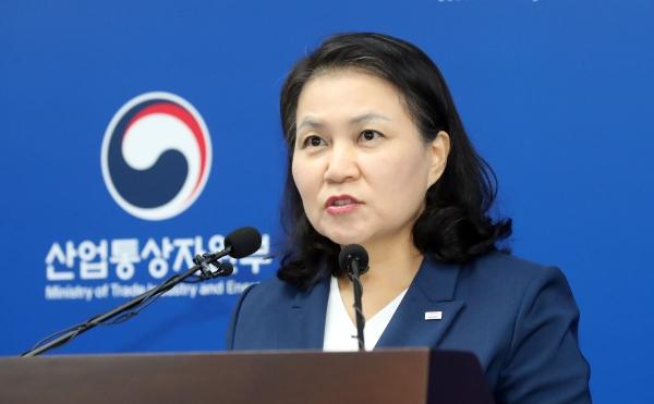 유명희 통상교섭본부장이 24일 정부세종청사에서 기자회견을 열고 세계무역기구(WTO) 사무총장에 입후보 한다고 밝혔다. ©뉴시스·여성신문