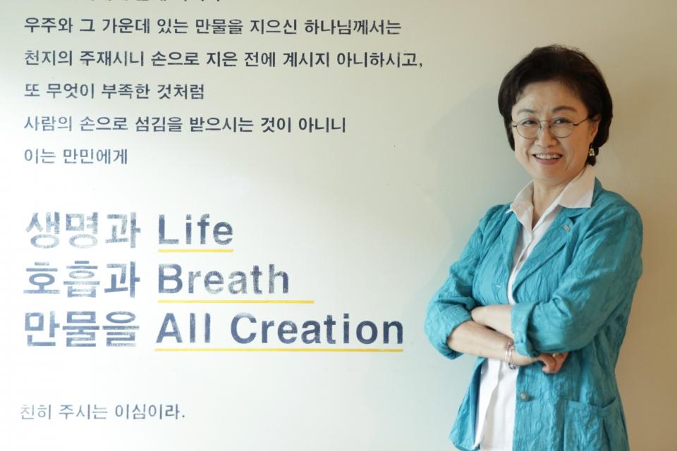 11일 오후 서울 중구 한국YWCA연합회에서 원영희 한국YWCA연합회 회장은 여성신문과 인터뷰를 하고 있다. ⓒ홍수형 기자